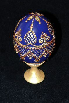 ИМИТАЦИЯ КРУЖЕВА, ПИКЕ   Левашова Юлия Egg Crafts, Easter Crafts, Dot Painting, Stone Painting, Types Of Eggs, Egg Shell Art, Carved Eggs, Egg Designs, Faberge Eggs