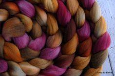 Main teints Merino 4 oz « Dusty Rose » colorway, filature fibres, haut peigné, roving pour feutrage nuno ou aiguille, rose, tan, brun