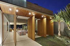 House in Belo Horizonte by Anastasia Architects. #doors. #wood. CONTEMPORIST