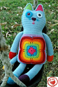 Jam made: What's new, pussy cat? Free pattern for granny square kitty