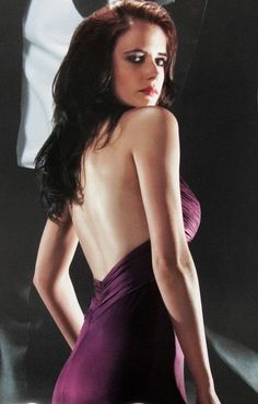 Eva Green as Vesper Lynd, Casino Royale is the twenty-first film in the Eon Productions James Bond film series and the first to star Daniel Craig as the fictional agent James Bond. Ava Green, Green And Purple, Eva Green Bond, Actress Eva Green, Bond Girls, French Actress, Sensual, Most Beautiful Women, Ur Beautiful