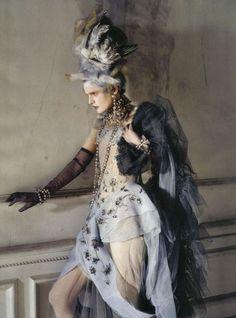 Stella Tennant, Imogen Morris Clarke by Tim Walker for Vogue Italy March 2010, Lady Grey 01