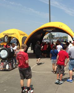 Photo galleries of our innovative eventSeries and REDIC2 inflatable canopy products.