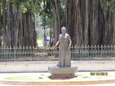 A lonely statue of Quee Lili'uokalani stands sentry at the rear of Iolani Palace.  She was the last monarch of Hawaii and will always be my queen in my heart, my soul, my spirit and my memory.