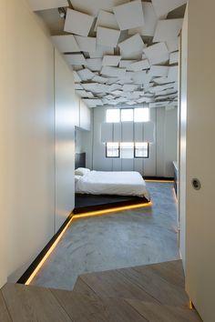 z warple way 4 Art Gallery and Living Space Merged Using a Rebellious Design Scheme