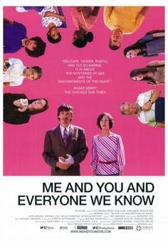 Me and You and Everyone We Know is zo'n film waar je even stil van bent en waarvan je niet weet waarom. Klein gehouden en een beetje vreemd, met boeiende karakters.