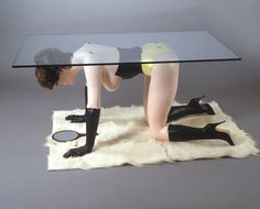 Allen Jones, Table, 1969, Stahl, Fiberglas, u.a., 61 x 84 x 145 cm, Sammlung Gunter Sachs, © Allen Jones, 2012
