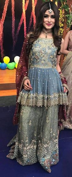 Latest Pakistani Short Frocks Peplum Tops with cullotes Pakistani Wedding Outfits, Bridal Outfits, Pakistani Dresses, Indian Dresses, Indian Outfits, Short Frocks, How To Dress For A Wedding, Party Kleidung, Desi Clothes