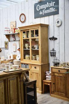 Comptoir de Famille - Mise en scène réalisée par nos vendeuses en décoration et l'artiste qui sommeille en elles !