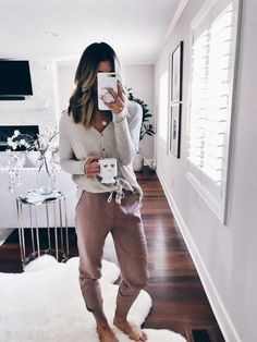 Current Favorite Joggers Under $75 | Cella Jane Teen Winter Outfits, Lazy Day Outfits, Cute Comfy Outfits, Comfortable Outfits, Casual Outfits, Fashion Outfits, Cute Lounge Outfits, Loungewear Outfits, Athleisure Outfits