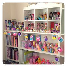 To display my My little ponys and toys My Little Pony Bedroom, Little Girl Rooms, Big Girl Bedrooms, Girls Bedroom, Kawaii Room, Kids Study, Doll Display, Daughters Room, Toy Rooms
