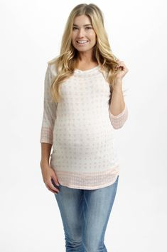 With a modern geometric print, this ¾ sleeve knit maternity top will give your wardrobe the perfect statement piece to stand out this season. Pale-Pink-Triangle-Print-Knit-3/4-Sleeve-Maternity-Top