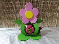 Kids Crafts, Flower Crafts Kids, Foam Crafts, Easter Crafts, Diy And Crafts, Christmas Calendar, Kids Party Decorations, Mad Hatter Tea, Party Favor Bags