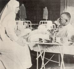 Queen Marie of Romania / Mamma Regina set up her own hospital in the Palace grounds for victims of German air raids on the capital Bucarest, during the First World War. Romanian Royal Family, Air Raid, Queen Mary, Queen Victoria, Eastern Europe, Wwi, First World, World War, Edinburgh