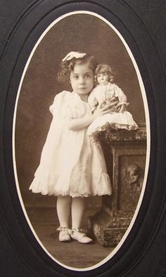 ~Precious Antique Victorian 1890s Young Girl with her doll