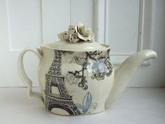 cute little teapot.
