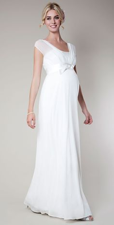 Many brides search online for the bridal gown of their dreams and expectant brides are no different. Many stylish maternity bridal gowns can be found that offer the pregnant bride a chance t… Dresses For Pregnant Women, Pregnant Wedding Dress, Maternity Wedding, Pregnant Brides, Pregnant Lady, White Maternity Dresses, Maternity Fashion, Maternity Maxi, Bridal Gowns
