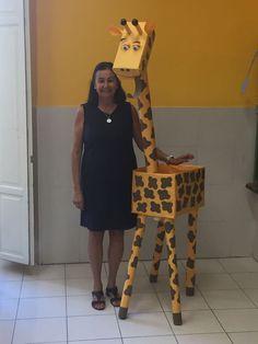 Zebra made from carpet tubes and cardboard boxes. Jungle Theme Classroom, Classroom Themes, Safari Birthday Party, Jungle Party, Safari Party Decorations, Preschool Jungle, Giraffe Crafts, Safari Jeep, African Safari