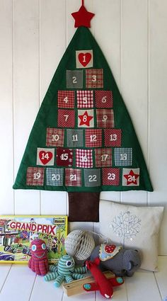 2013 Christmas countdown,Christmas cotton tree Hanging storage bag DIY advent calender ideas, Creative home decor Christmas Sewing, Christmas Crafts, Christmas Ideas, Crochet Crafts, Diy Crafts, Advent Calenders, Felt Christmas Decorations, Hanging Storage, Christmas Countdown