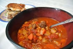 Modern Southern Cook: Snow Day Stew (Includes notes for a vegetarian alternative) Thai Red Curry, Stew, Alternative, Southern, Vegetarian, Yummy Food, Cooking, Ethnic Recipes, Modern