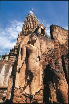 Buddha #buddha #statua #thailandia Gautama Buddha, Buddha Buddhism, Buddhist Art, Buddha Temple, Buddhist Philosophy, Fantasy Forest, Religious Architecture, World Religions, Religious Art