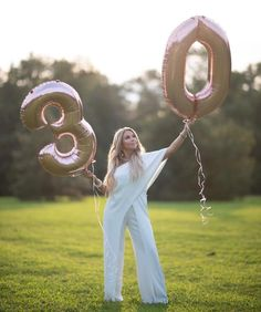 65 ideas for birthday photoshoot 30th Birthday Balloons, 30th Birthday Themes, 30th Birthday Ideas For Women, Surprise 30th Birthday, Cute Birthday Pictures, Birthday Photos, Photo Ballon, Giant Number Balloons, 30th Anniversary Parties