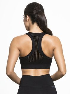 Staying active has never been easier with the Fishnet Seamless Racer Bra from Ivy Park. The racer-back cut provides an effortless range of movement when you're getting active, while the fishnet mesh is a minimal yet statement making style that's easy to s