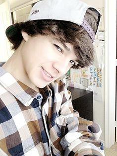 I was just recently introduced to the hilarious Brent Rivera. If you don't know him look him up! Vine Boys, Carter Reynolds, Brent Rivera, Hayes Grier, Cute Teenage Boys, Magcon Boys, Cameron Dallas, Attractive People, Pretty Little Liars