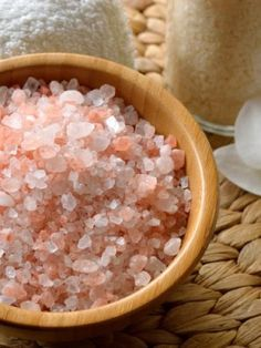 The Spice Lab Pink Himalayan Crystal Bath Sea Salt - Fast Dissolving Coarse Grain - Nutrient and Mineral Fortified For Health - 10 Pounds Himalayan Salt Benefits, Himalayan Salt Bath, Honey Benefits, Health Benefits, Full Body Detox, Bath Salts, Natural Remedies, Spices, Crystals