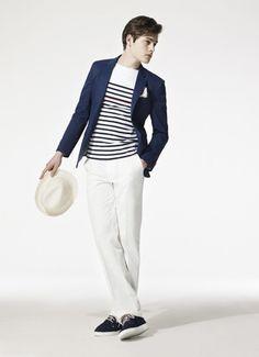 Sommersonntagsoutfit in blau/weiß.