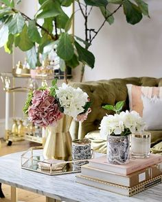 2019 Interior Design Trends I'm Really Excited About - Swoon Worthy Coffee Table Vignettes, Coffee Table Styling, Decorating Coffee Tables, Gold Interior, Interior Exterior, Living Room Green, Living Room Decor, Living Rooms, Bedroom Decor