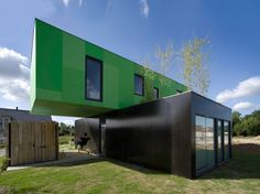 This project is a prototype of a three-dimensional modular and industrialized house, built with four 40 foot shipping containers.