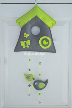 vogelhuisje grijs / lime Mobiles For Kids, Felt Crafts Patterns, Felt Fairy, Bird Houses, Crafts To Make, Kids Toys, Sewing Projects, Crafty, Creative
