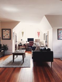 Architect John Winter White Living Room Barcelona Chairs Eames Plywood Piano Le Corbusier Coffee Table