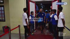 Tim PERSIB sudah tiba di Stadion Kapten I Wayan Dipta, Semoga malam ini mendapat hasil yang terbaik #PERSIB #PersibSalawasna #PERSIBDay #GojekTravelokaLiga1