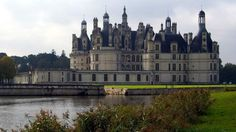 A collection of photos and info on the most beautiful castles in France, including some of the top French chateaux.