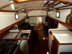 When you decide to take up boating as a hobby, it's important to get boating instruction from a competent professional who can teach you all about this great sport Barge Interior, Yacht Interior, Interior Design, Sailing Decor, Bristol Channel, Sailboat Interior, Living On A Boat, Small Sailboats, Wooden Boat Building
