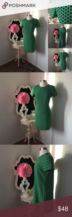 🌺 Adrienne Vittadini  Green & Navy Print Dress 🌺 Adrienne Vittadini  Fabulous Green & Navy Print Dress  Short Sleeve - Back Zipper - Dress is Not Lined  $68  Size : 4  Fabric : 100% Polyester    🌺 Accessories Not Included But Are also for Sale  Please Check out my Other Items in my GIRLe B Posh Shoppe'  Like us on FB   www.facebook.com/girleboutique Thanks For Looking & Always Let your Clothes get All the Attention 💋 ❌⭕️, Christina Adrienne Vittadini Dresses Midi