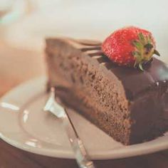 What if you are committed to eating low carb or keto but gotta have your keto chocolate dessert recipes fix? No judgment here. Instead, feast your eyes on these 15 best Keto and low carb chocolate recipes. Microwave Chocolate Cakes, Chocolate Fudge Icing, Chocolate Low Carb, Ultimate Chocolate Cake, Best Chocolate, Chocolate Desserts, Chocolate Souffle, Flourless Chocolate, Decadent Chocolate