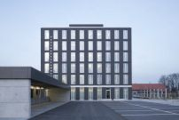 Handwerkskammer in Regensburg / Zeichenhafte Funktion - Architektur und Architekten - News / Meldungen / Nachrichten - BauNetz.de
