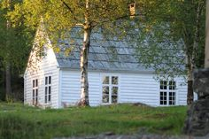 (LOVE THOSE WINDOW PANES!!!) Livs Lyst: GAMMEL SKOLESTUE OG BUTIKK