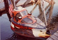 American, Wayne Dickinson crossed the Atlantic from Massachusetts to Ireland in 1983. Unfortunately, his beautiful boat was smashed to pieces when he was driven ashore at Arranmore Island in a force 10 gale after 142 days. Luckily, an Irish lighthouse keeper, Charlie Boyle, rescued him from probable death.