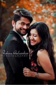 Love Story Shot - Bride and Groom in a Nice Outfits. Kerala Wedding Photography, Wedding Couple Poses Photography, Couple Photoshoot Poses, Bridal Photography, Couple Shoot, Photography Ideas, Pre Wedding Shoot Ideas, Pre Wedding Poses, Pre Wedding Photoshoot