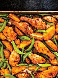 Ricardo& recipe : Portuguese-Style Chicken and Potatoes Potato Recipes, Chicken Recipes, Raw Food Recipes, Cooking Recipes, Ricardo Recipe, Confort Food, Chicken Potatoes, Chicken Legs, Chicken Chili
