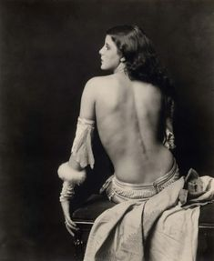 Grace Moore - (December 5th, 1898 - March 23rd, 1935)  Ms. Moore performed in The Ziegfeld Follies of 1931  Photo:  Alfred Cheney Johnston