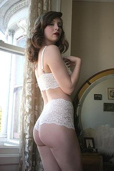 Dollhouse Bettie Juliet Ivory Lace High Waist Boyshorts
