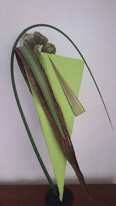 Contemporary Flower Arrangements, Creative Flower Arrangements, Ikebana Arrangements, Floral Arrangements, Flower Show, Flower Art, Sogetsu Ikebana, Arte Floral, Floral Designs