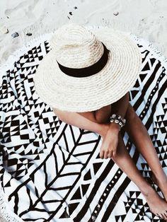 Summer | Beach | Beach towel | Hat | Tan | More on Fashionchick.nl