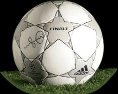 23d00b09ba36 Adidas Finale 2001/2002 UEFA Champions League match ball (2)