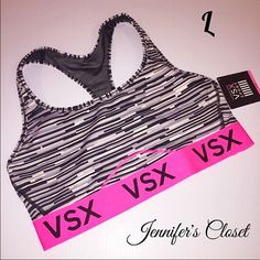{Victoria Secret VSX} Workout sports bra ❌NO TRADES ❌NO HOLDS ❌NO PP ✮ITEMS ARE 100% AUTHENTIC   ✮PLEASE DO NOT RATE ME BASED UPON FIT/SIZE OF YOUR ITEM. ASK FOR MEASUREMENTS OR PURCHASE AT YOUR OWN RISK✮ Victoria's Secret Intimates & Sleepwear Bras